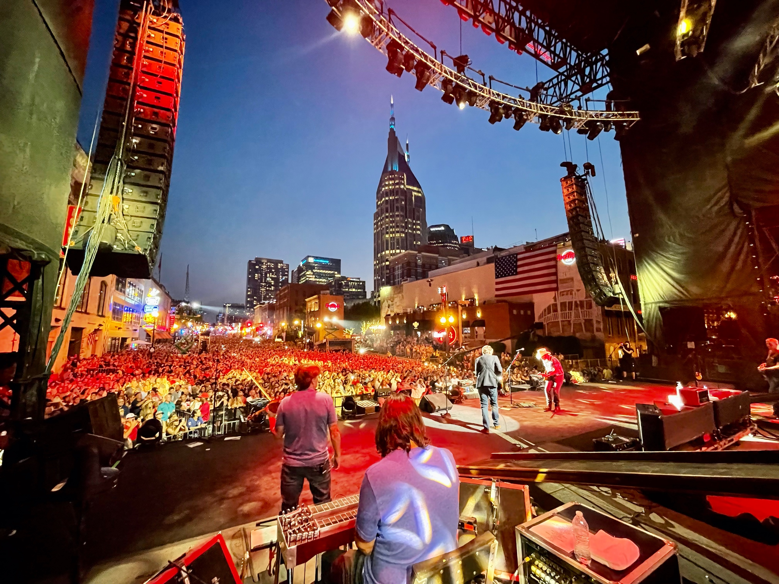 Brad Paisley Celebrates July 4th With 350,000 of His Friends in Downtown Nashville - Let Freedom Sing!