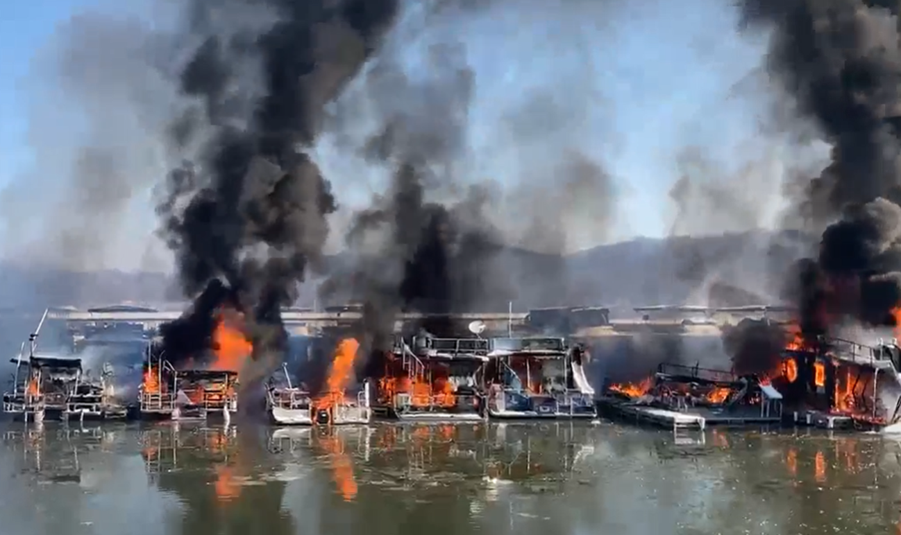 BREAKING NEWS: Multiple Boats Fully Engulfed in Fire at Hoosier Hills Marina on Patoka Lake