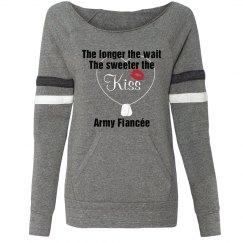 Army Fianc�e Kiss