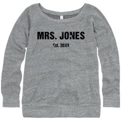 Mrs. Wide Neck Sweatshirt