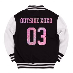 Outside XOXO 03