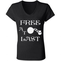 FREE AT LAST WHITE TEXT DIVORCE V NECK T-SHIRT