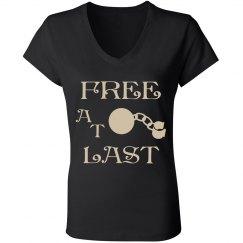 FREE AT LAST TAN TEXT DIVORCE V NECK T-SHIRT