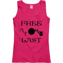 FREE AT LAST BLACK TEXT DIVORCE SCOOP NECK TANK