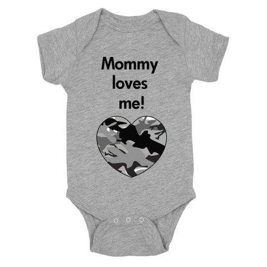 mommy loves me!