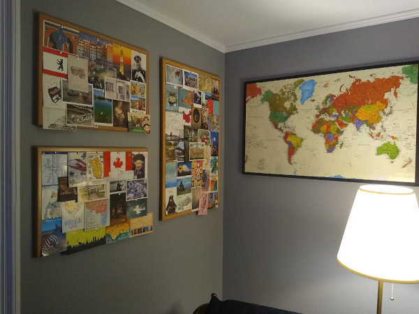 room31's wall of postcards