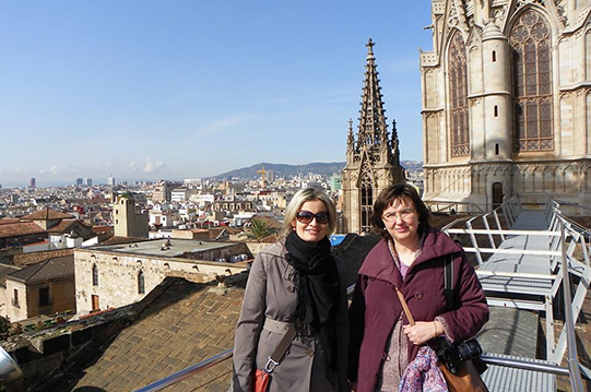 Zuzana & Dolores in the  Catedral