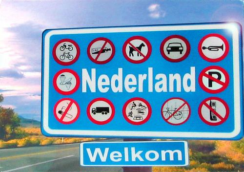 A humorous postcard from The Netherlands - making music around a campfire is allowed! Thank you very much, Jessica!