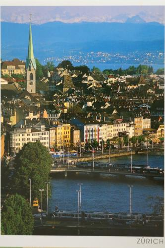 """Limmat mit Alpenblick,Zurich""