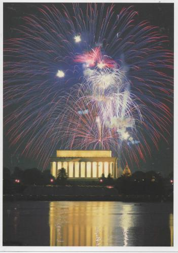 Fireworks at the Lincoln Memorial in Washington at the 4th of July