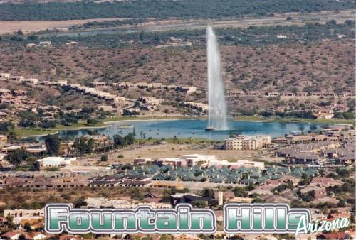 Fountain Hills, Maricopa County, State Arizona, U.S.A. - The fountain of Fountain Hills can spew water to a height of up to 560 feet (170 m)